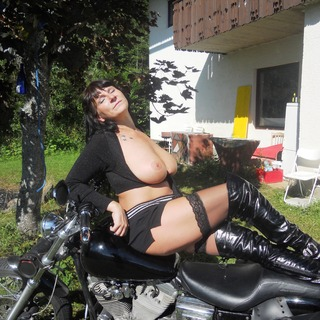 Biker-Braut (2/2)